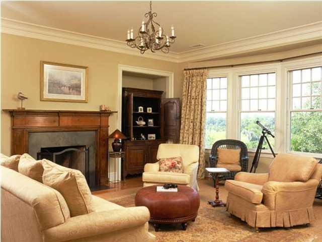 Manor%20Livingroom